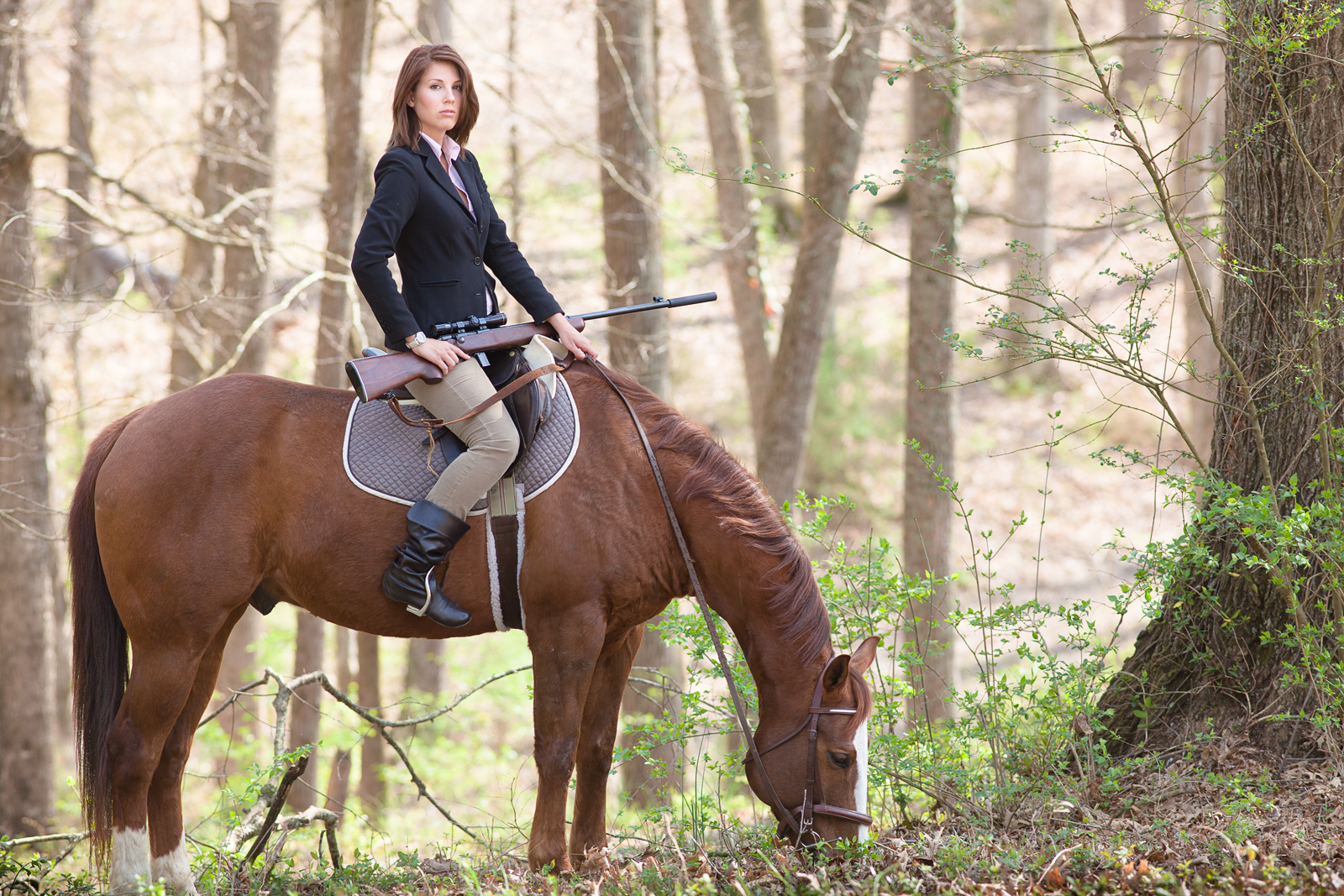 suppressed_rifle_horseback_3885web