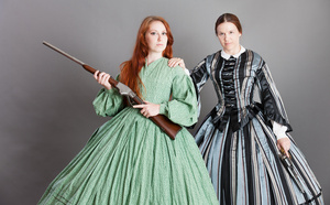 armed_ladies_2646web