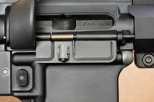 RRA9mm_ejectionport_D6A9370web