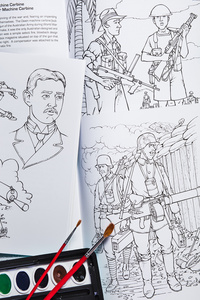 gun_coloring_books_open_D6A5256web