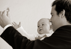 baby_reaching_out_9171web